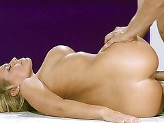 Nicole Aniston won the pageant