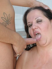 Large Chick Feels Sexy While She Fucks
