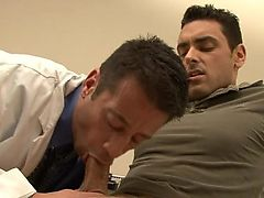 Lusty doctor acquires nailed by his gay patient