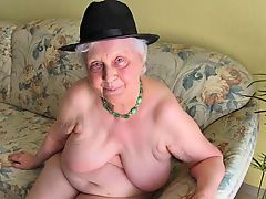 OmaGeiL Horny Grandma View Compilation