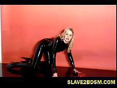 Latex freak vixen pleasures herself